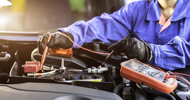 Toyota Battery Voltage Measurement